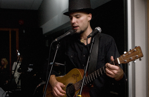 Ari Neufeld played at Vanilla Pod New Years Eve party